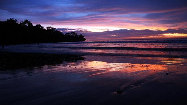 Matahari Terbenam di Pangandaran