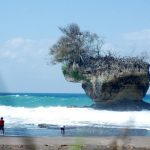 Keindahan Pantai Madasari